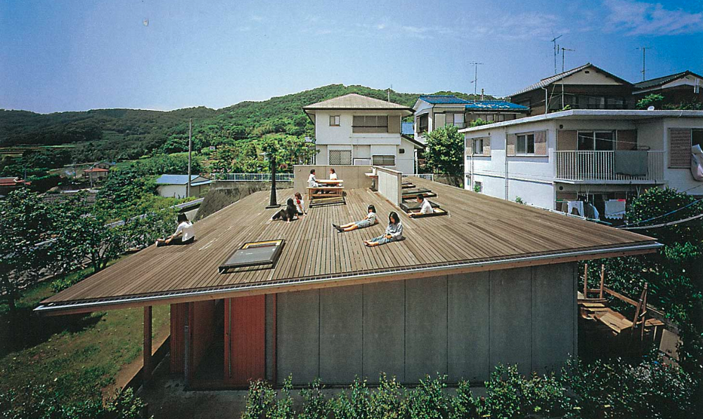 Roof House (Tokyo) — photo from tezuka-arch.com