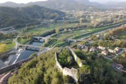 Vista aerea sul Castello di Ripafratta e della valle del Serchio. Foto di Fabio Santaniello Bruun
